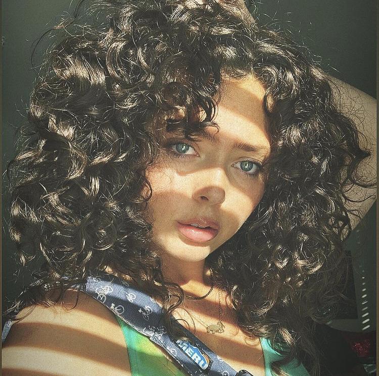 Feature Friday: Savannah Allen